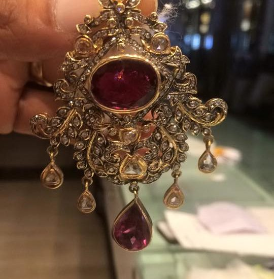 polki pendant with single cut diamond