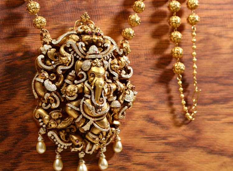 diamond ganesha pendant with nagas from vummidi